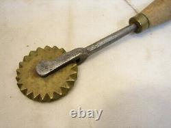 Antique Hand Forged Iron Brass Wheel Pie Crimper Cutter Crust Edger Kitchen Tool