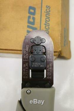 Tyco TE 91526-1 22-26 AWG AMP Certicrimp 2, SAHT MR Hand Crimper Crimping Tool
