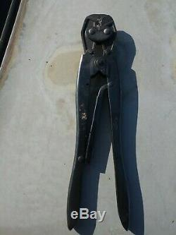 Used AMP/TYCO Single Action Hand Tool Crimper 22-10 1-9 PIDG Contacts 49935